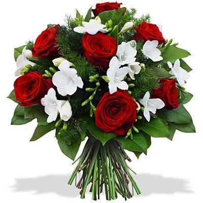 Fiori Bianchi Laurea.Bouquet Di Laurea Con 8 Rose E Fiori Bianchi Chiosco Rosa Di